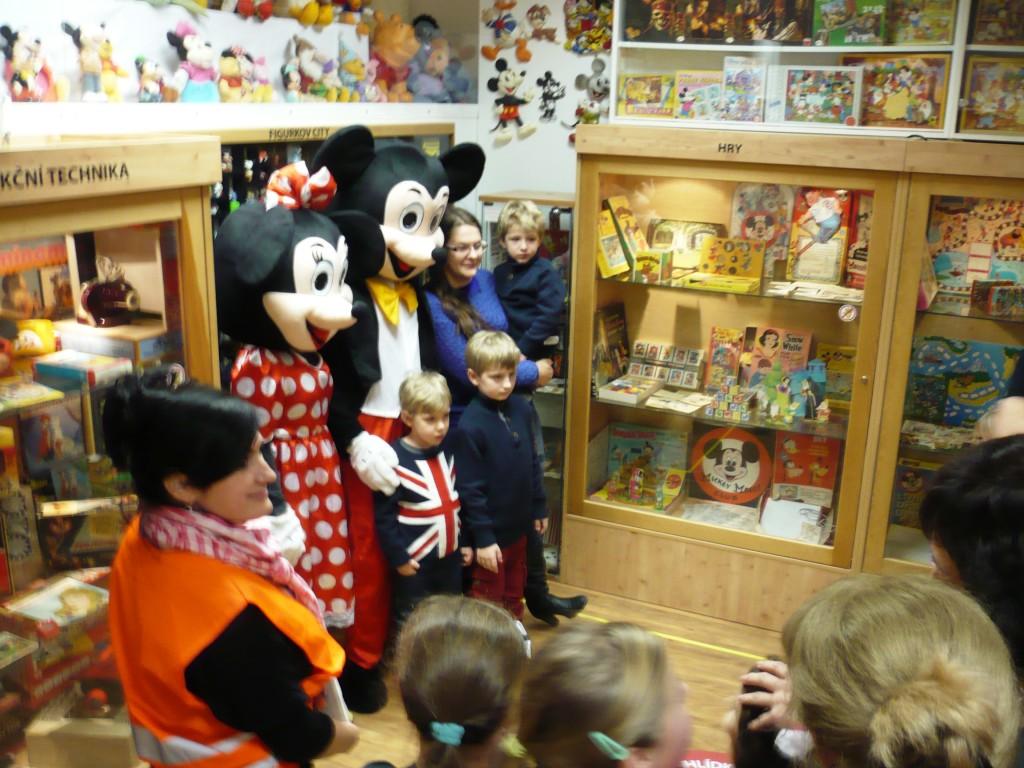 Focení s Myškou Minnie a Myšákem Mickeym